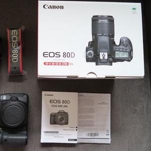 Canon EOS 80D 24.2MP Цифровые зеркальные фотокамеры