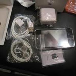 Brand New Apple iPhone 4 32GB Unlocked